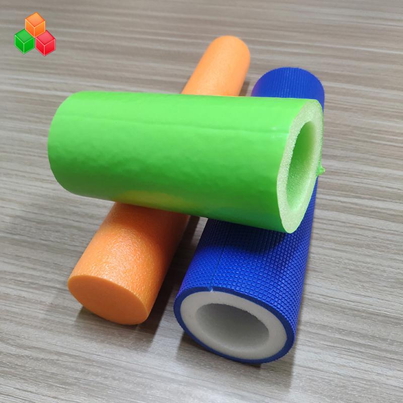 Benutzerdefinierte Form Logo Farbe super weiche Hohlschaum Rohre PVC EVA EPE Schaum Rundrohr für Indoor Spielgeräte / Verpackung